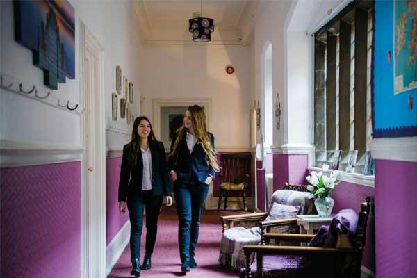 Академічна англійська в Англії, Літл-Несс | Adcote International Boarding School