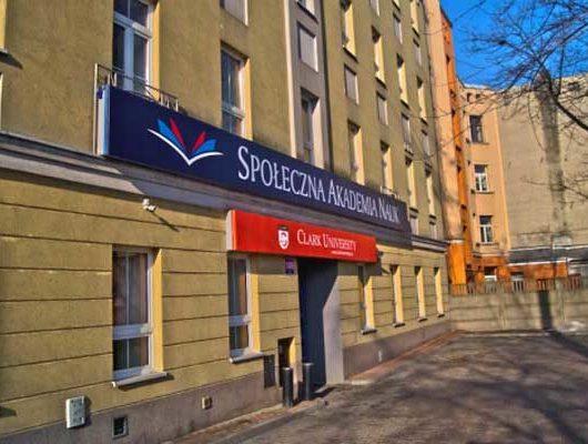 Społeczna Akademia Nauk | Польща