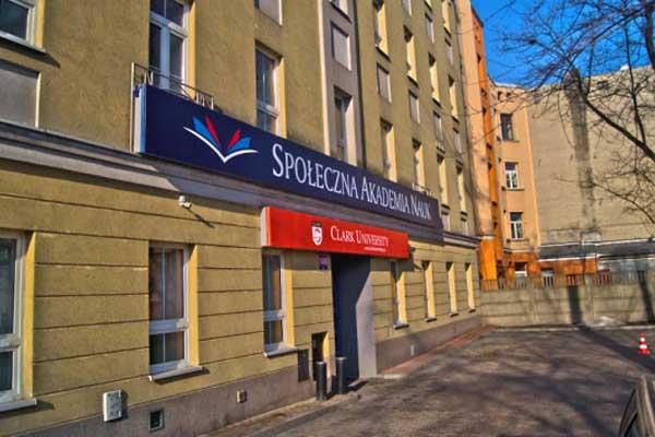 Społeczna Akademia Nauk | Польша