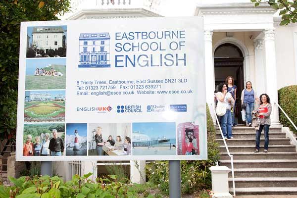 Англійська для дорослих 50+ в Англії, Істборн