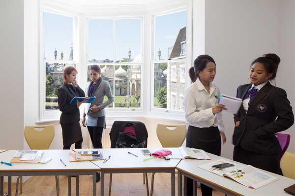 Английский для всей семьи в Англии, Брайтон | Brighton Language College