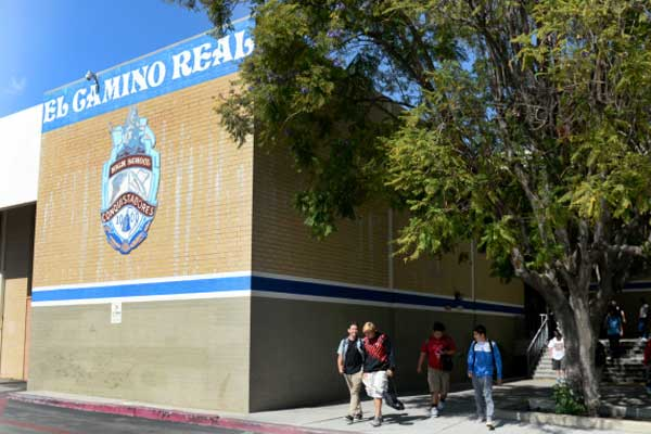 Школа El Camino Real Charter High School | Вудленд Хиллз, США