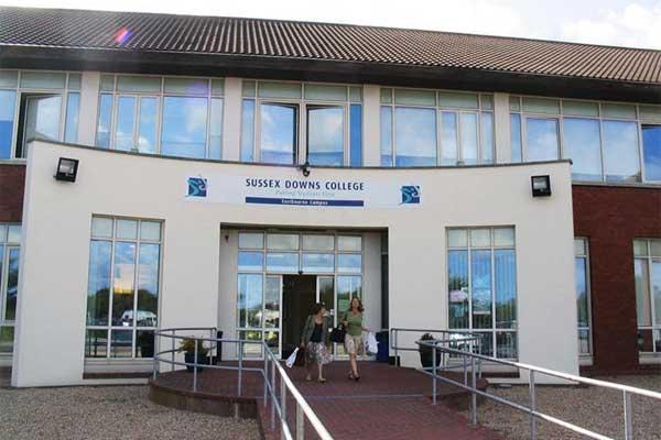 Летние каникулы в Англии, Истборн | Sussex Downs International College