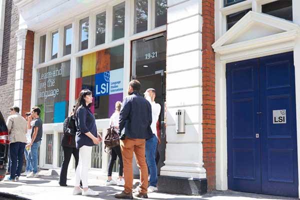 Курсы английского языка в Англии, Лондон | LSI – London Central