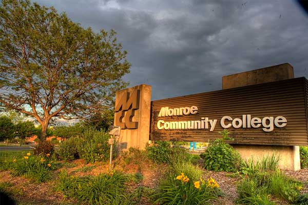 Monroe Community College | США