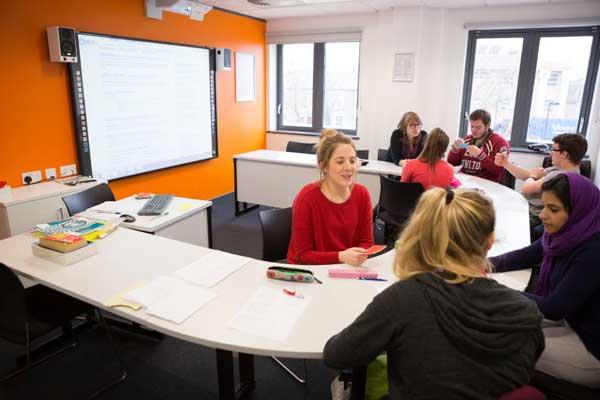 Курсы английского языка в Англии, Кембридж | EC Cambridge
