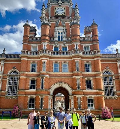 Летние каникулы в Лондоне, Royal Holloway