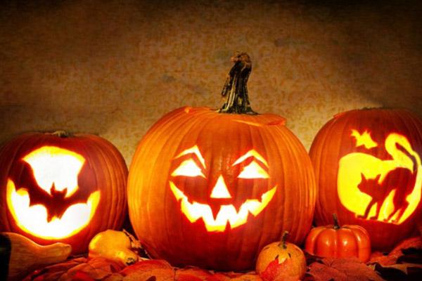 Відсвяткуємо Хелловін за кордоном?