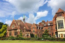 Изучение английского языка и бесплатное проживание в Кембридже!